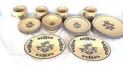 22 pc Dinnerware Pfaltzgraff VILLAGE Dinner Lunch Bread Plat