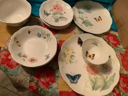 Lenox Butterfly Meadow Classic Dinnerware Set 28 Piece Servi