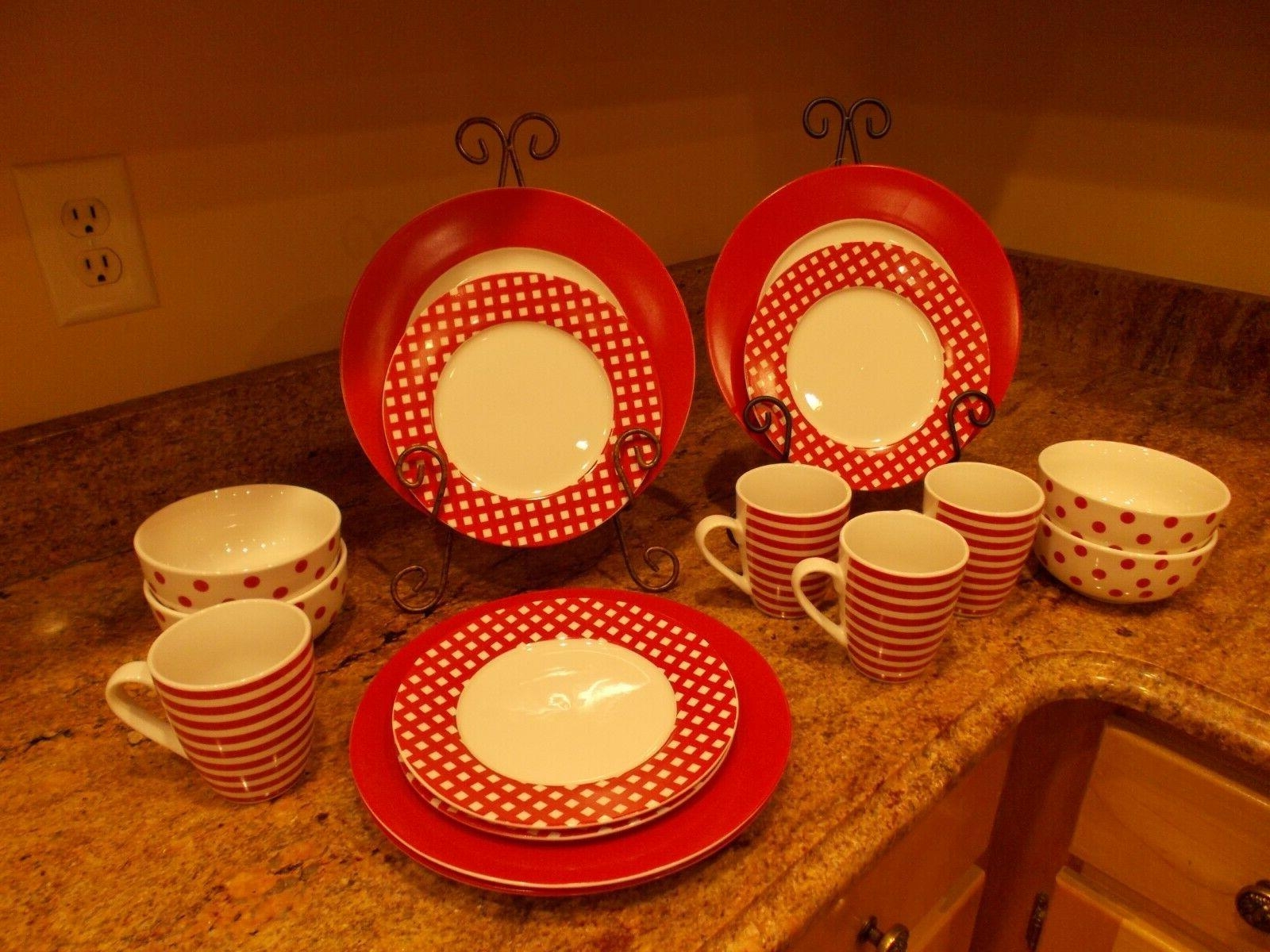 Pfaltzgraff Everyday 16 Piece Dinnerware Set - NEW