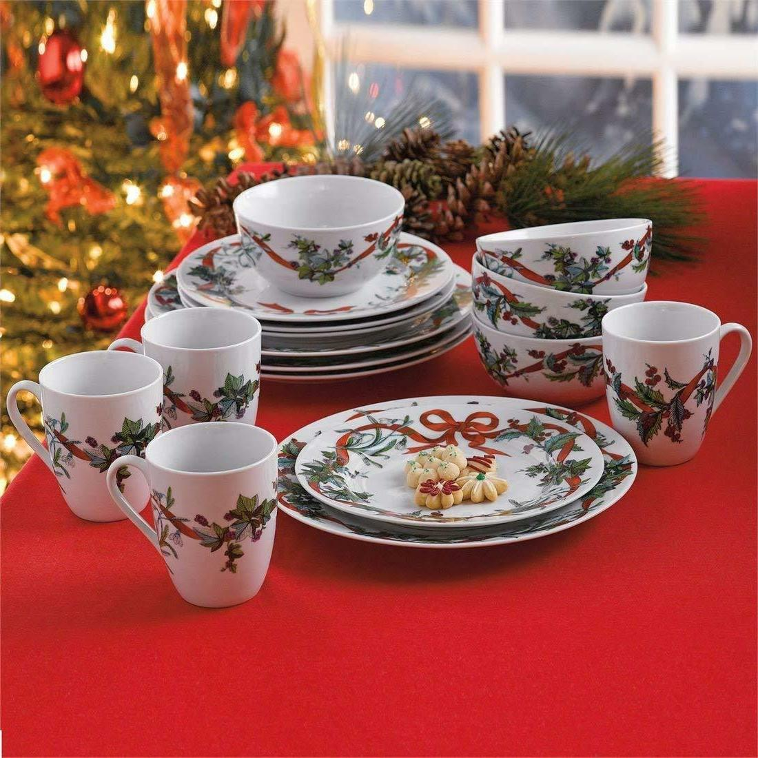 Christmas Dinnerware Set Service for 4 with Holiday Decorate