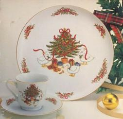 Porcelain Christmas Dinnerware 12 piece Set